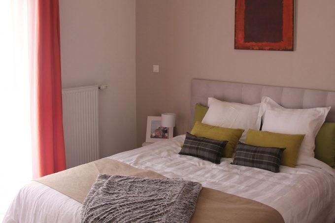 Chambre d'un appartement de la résidence pour seniors Arpitania