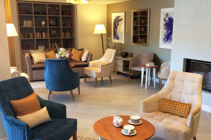Salon commun de la résidence seniors Pégomas